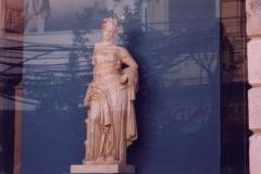 66-Antike-Modern-Woman II